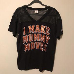 VS PINK I Make Mummy Moves T-shirt